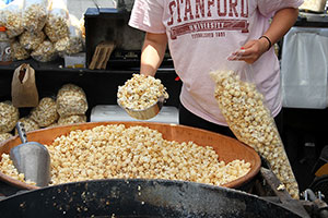 fresh hot kettle corn